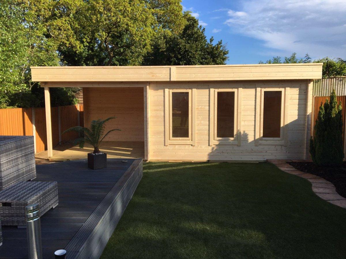 modernes gartenhaus mit terrasse jacob e 12m 44mm 3x7 hansagarten24. Black Bedroom Furniture Sets. Home Design Ideas