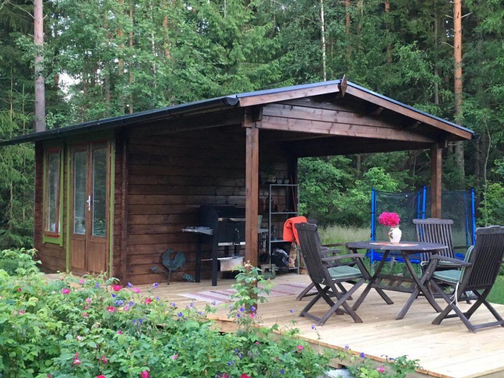 Gartenhaus mit Sonnendach Nora D 9m² / 44mm / 3x3