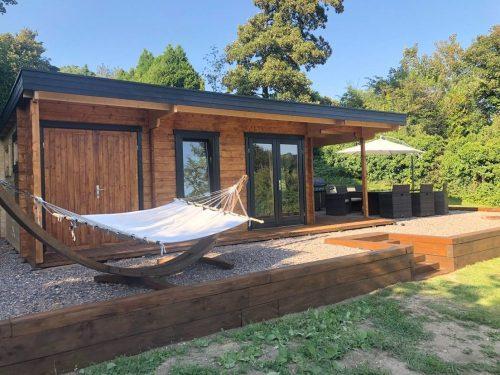 Gartenhaus Hansa Lounge XXL mit 2 Zimmern 22m² 44mm 5×8