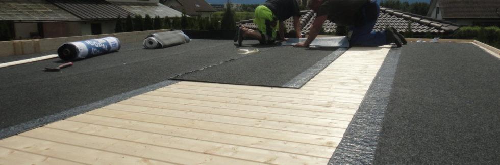 Installation eines Flachdachs mit Brüstung für Gartenhäuser von Hansagarten24