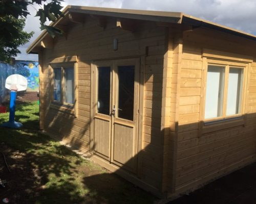 Ein Klassenzimmer im Holzhaus 60m2 / 70mm / 12 x 5 m