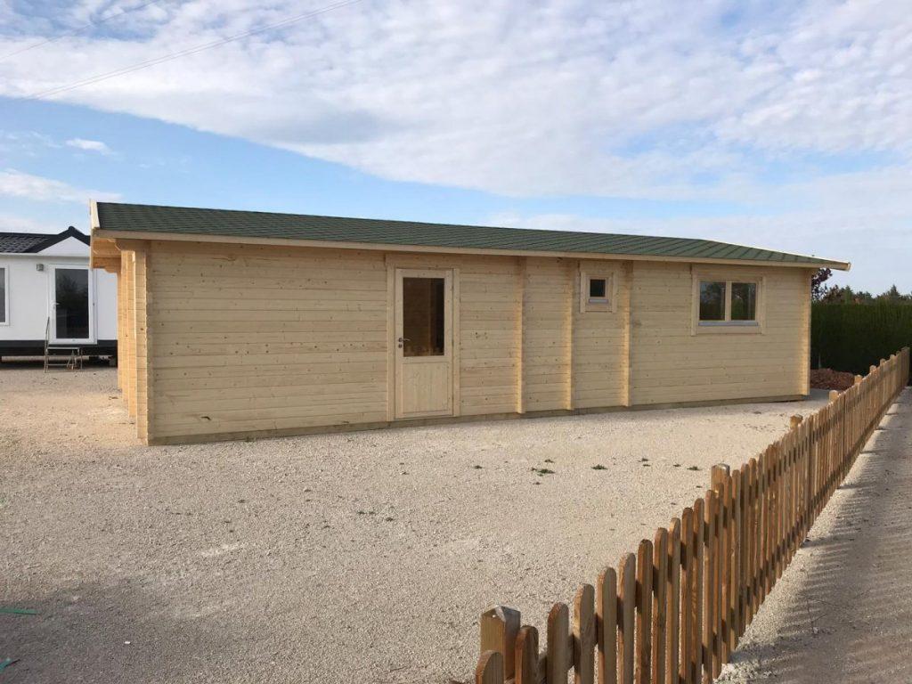 Großes Holzhaus Valencia mit zwei Schlafzimmern 60m2 11 x 6 m 70mm