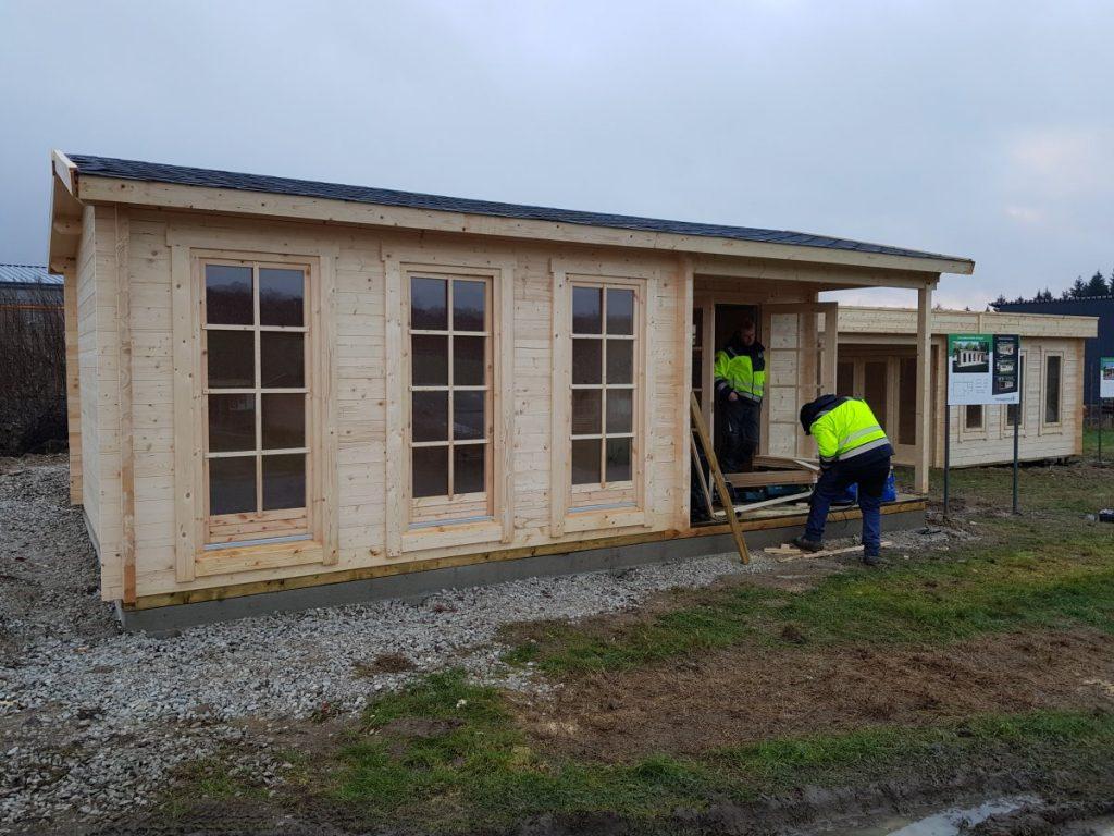 Neues isoliertes Gartenbüro aus Holz als Teil unserer Gartenhausausstellung