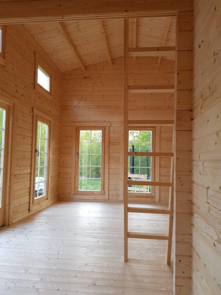 """Blockhaus mit Schlafboden """"Schweden B"""""""