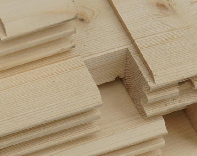 Alle Elemente unserer Holzhäuser sind aus langsam gewachsener nordischer Fichte gefertigt