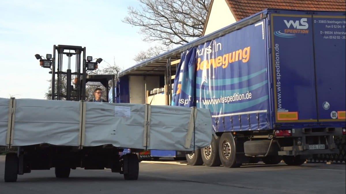 Unsere Lieferungen erfolgen mit LKWs