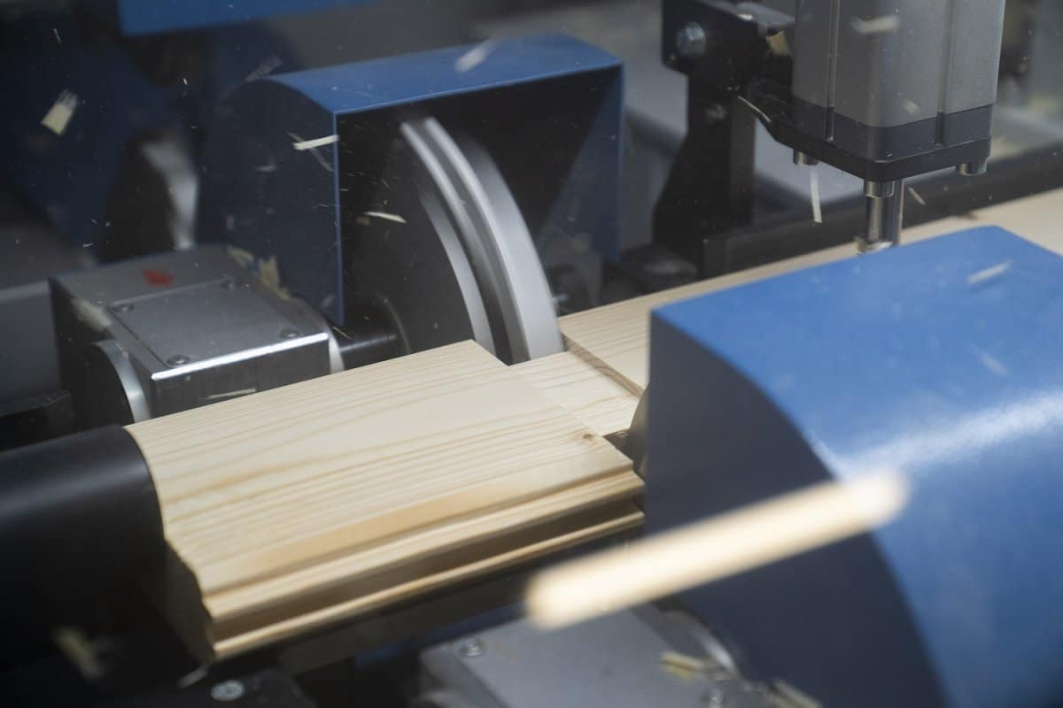 Wir verfügen über mehr als zwanzig Jahre Erfahrung in der Konstruktion und Produktion von Holzgebäuden