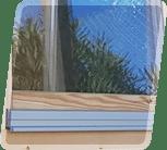 Zweifach verglaste Türen und Fenster mit Wasseleisten aus Aluminium