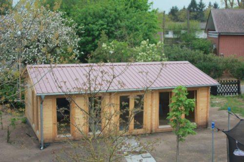 Großes Gartenhaus D für die Unterbringung einer Tischtennisplatte
